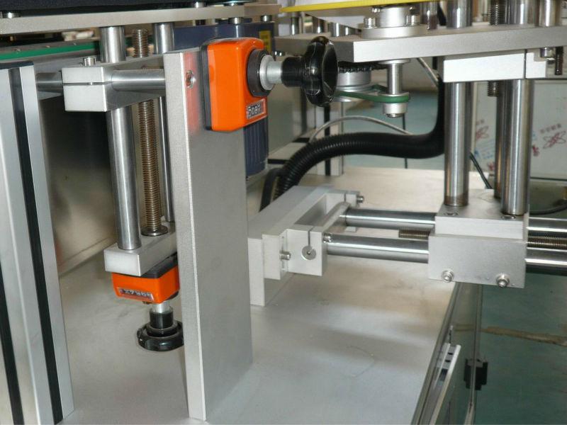 Konveyor pendukung posisi vertikal dan horizontal yang dapat disesuaikan