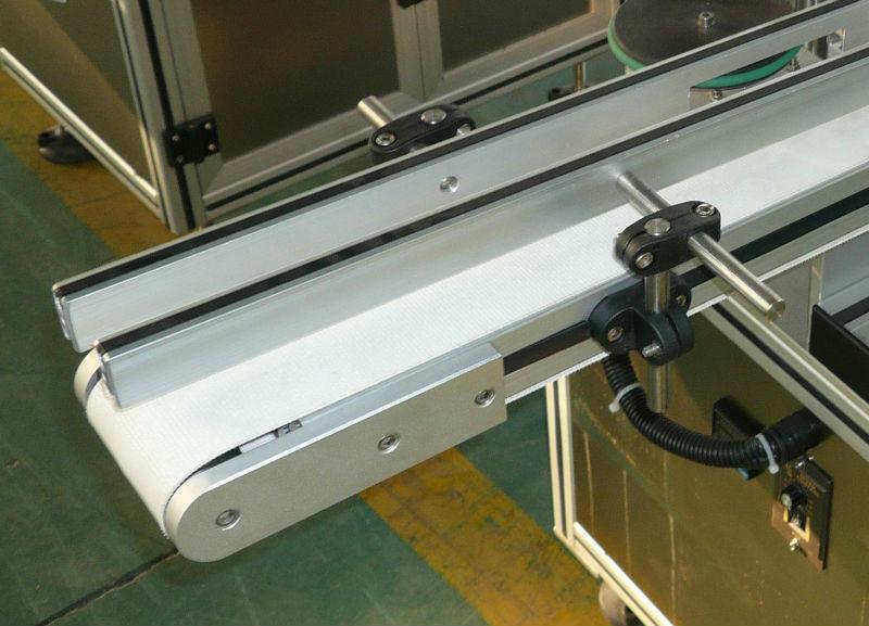Tinggi dan lebar konveyor labeller yang dapat disesuaikan